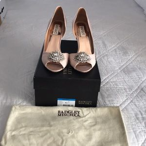 Badgley Mischka Pearson heels